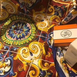 NWT Dolce & Gabbana Majolica Silk Scarf